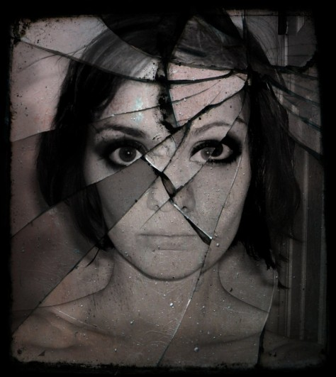 broken_beauty-913x1024